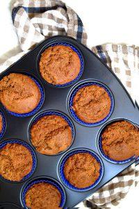 apple & cinnamon muffins