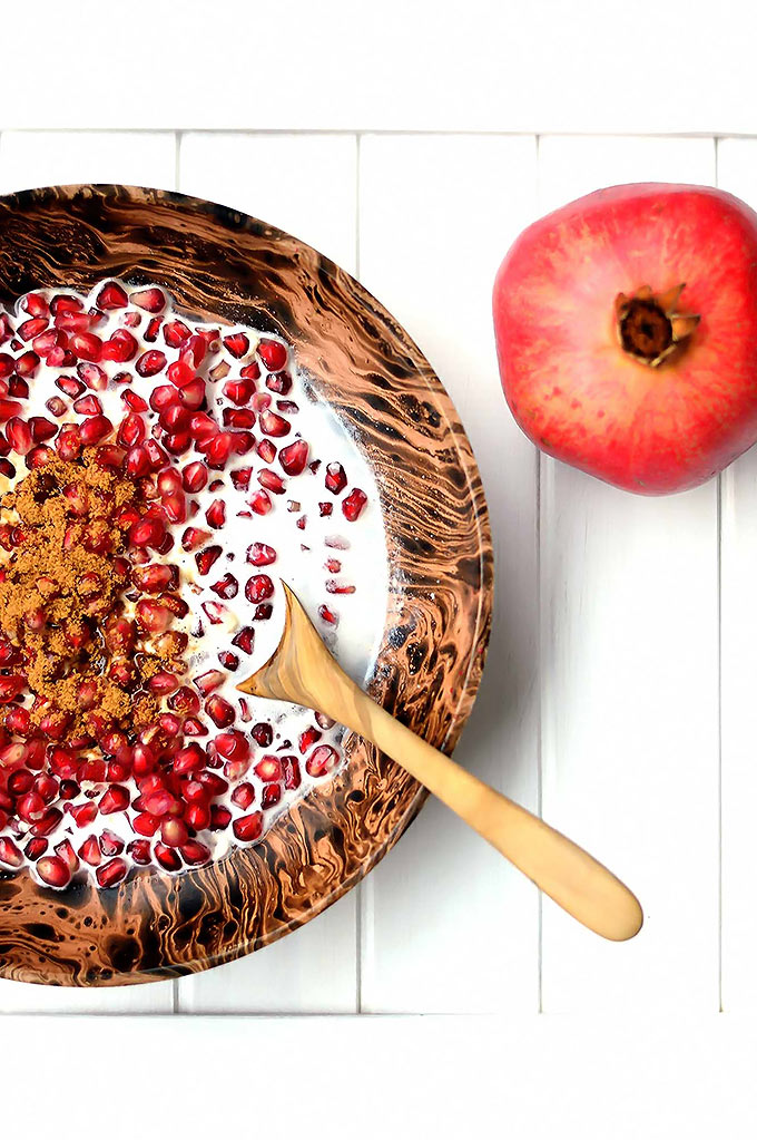 Pomegranate Breakfast Bowl - sweet and refreshing|www.thebrightbird.com