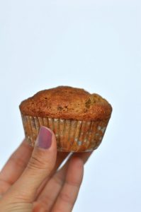 Un muffins de naranja y yogur