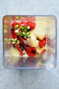 salsa de pimientos asados en la batidora